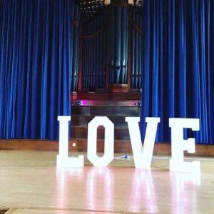 Light-up LOVE letters
